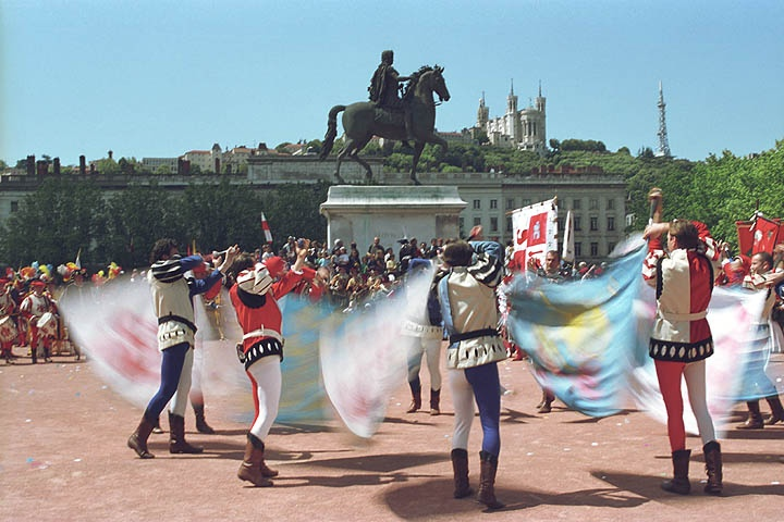 Река волга, французские праздники картинки
